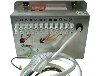 cfc 6027 zig cf8 charger caravanparts co uk rh caravanparts co uk wiring up a zig unit Zig Zag Book Shelves